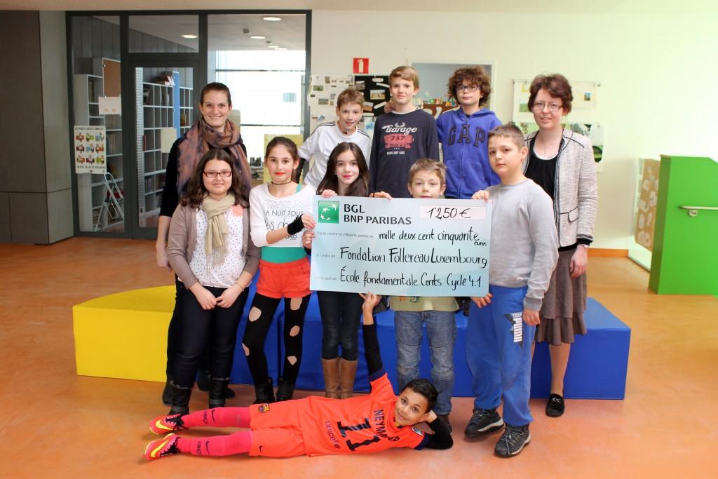 Die Kinder der Censter Grundschule mit ihrer Lehrerin Martine Keiser (r.) und FFL Mitarbeiterin Tina Bock (l.).