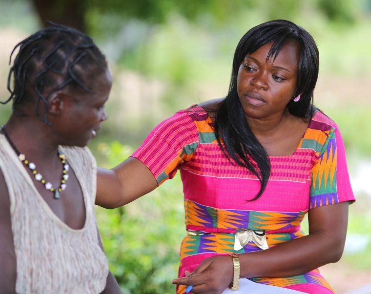 Gespräch im Zentrum der Fondation Rama©Fondation Follereau Thierry Winn